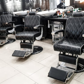 barber-kielce-she-he-2
